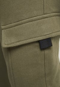 New Look - UTILITY JOGGER - Cargo trousers - dark khaki - 4