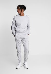 New Look - TAPED JOGGER - Tracksuit bottoms - grey marl - 1