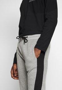 New Look - STCOLOURBLOCK MARL JOGGER  - Tracksuit bottoms - light grey - 4