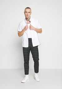 New Look - GRID CROP  - Pantalon classique - 38-dark green - 1