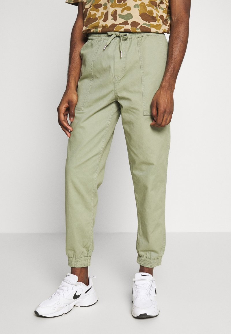 New Look - CUFFED UTILITY TROUSER - Reisitaskuhousut - light khaki