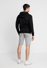 New Look - Szorty jeansowe - light grey - 2