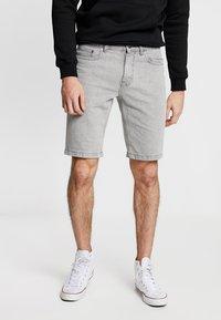 New Look - Szorty jeansowe - light grey - 0