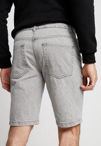 New Look - Szorty jeansowe - light grey - 3