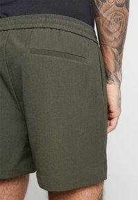 New Look - PIPING - Shorts - dark khaki - 5