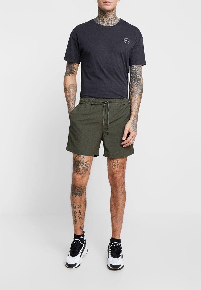 New Look - PIPING - Shorts - dark khaki