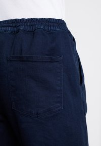New Look - THORNTON PULL ON - Relaxed fit jeans - dark blue - 3