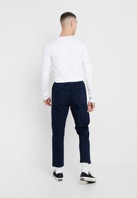New Look - THORNTON PULL ON - Relaxed fit jeans - dark blue - 2