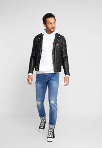 New Look - Slim fit jeans - mid blue - 1