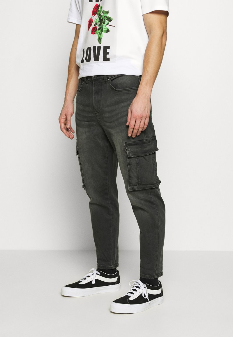 New Look - TAPERED WASHED CARGO - Cargo trousers - black