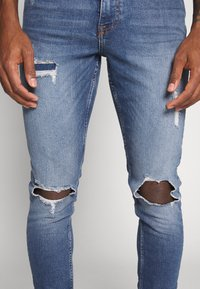 New Look - OLIVER - Jeans Skinny Fit - mid blue - 4