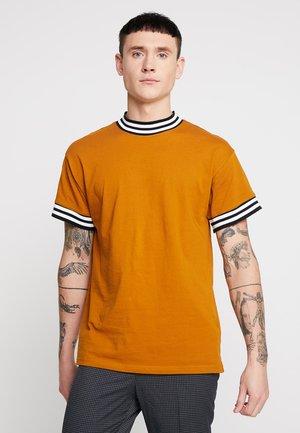 FASHION TIPPED TEE - Basic T-shirt - dark yellow