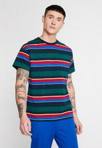 New Look - CHELT STRIPE TEE - Print T-shirt - dark green - 0