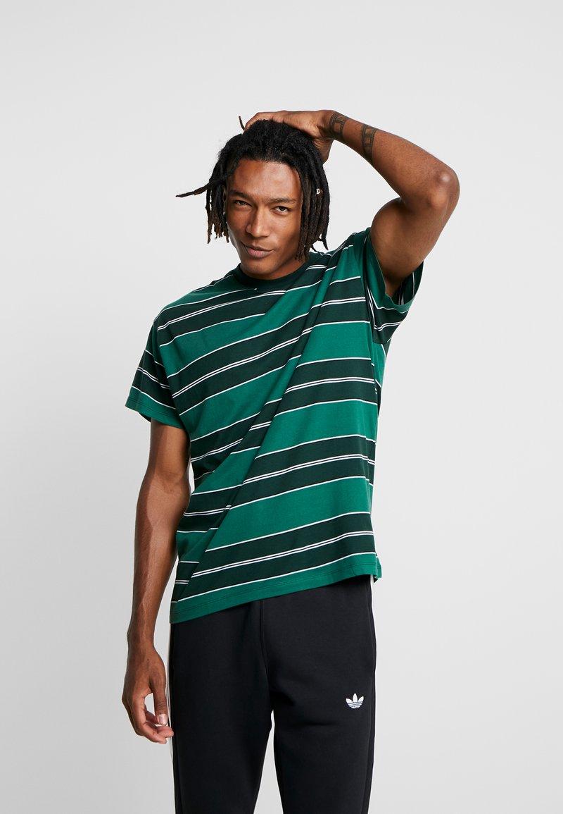 New Look - FILEY STRIPE TEE  - T-Shirt print - green