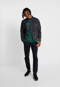 New Look - FILEY STRIPE TEE  - T-Shirt print - green - 1