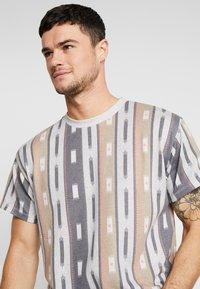 New Look - AZTEC STRIPE TEE - Print T-shirt - grey marl - 3