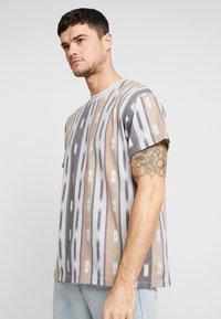 New Look - AZTEC STRIPE TEE - Print T-shirt - grey marl - 0