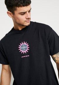 New Look - MOMENTS TEE  - T-shirt print - black - 3
