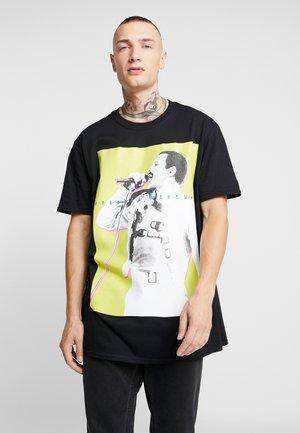 MIC FREDDIE TEE - T-shirt med print - black