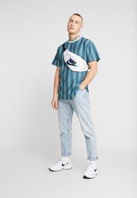 New Look - COLUM STRIPE - T-shirt con stampa - light green - 1