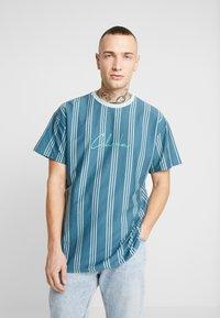 New Look - COLUM STRIPE - T-shirt con stampa - light green - 0