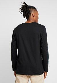 New Look - PRINT CUFF TEE - Top sdlouhým rukávem - black - 2