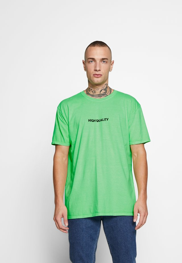 HIGH QUALITY TEE - T-shirt print - bright green