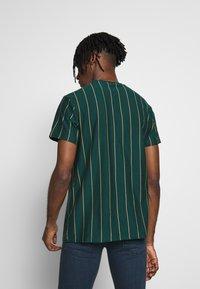 New Look - VERT STRIPE TEE - T-shirt imprimé - teal - 2