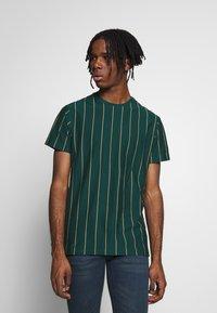 New Look - VERT STRIPE TEE - T-shirt imprimé - teal - 0