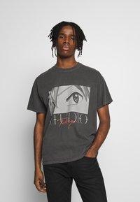 New Look - STUDIO ANIME TEE - T-shirt con stampa - dark grey - 0