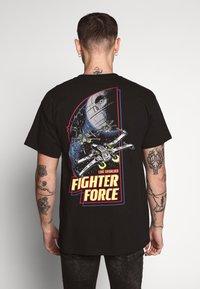 New Look - STAR WARS TEE - T-shirts med print - black - 2