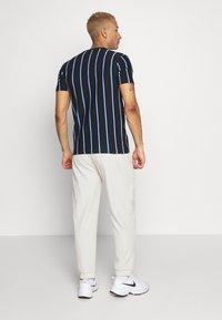 New Look - VERT STRIPE TEE - Print T-shirt - black - 2