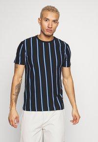 New Look - VERT STRIPE TEE - Print T-shirt - black - 0