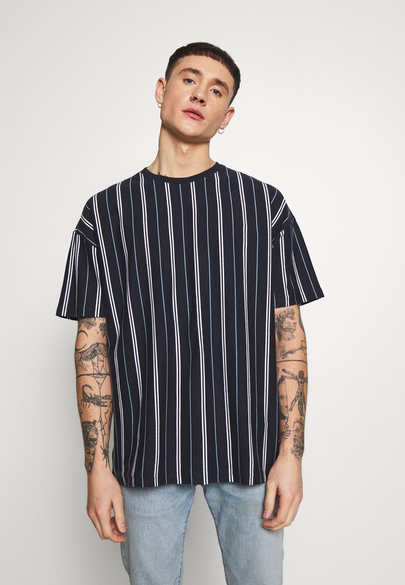 New Look - VERT STRIPE TEE - Print T-shirt - navy