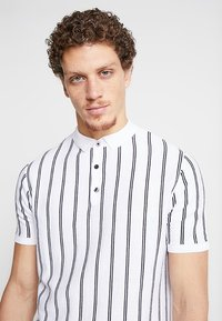 New Look - VERTICAL  - Poloskjorter - offwhite - 4