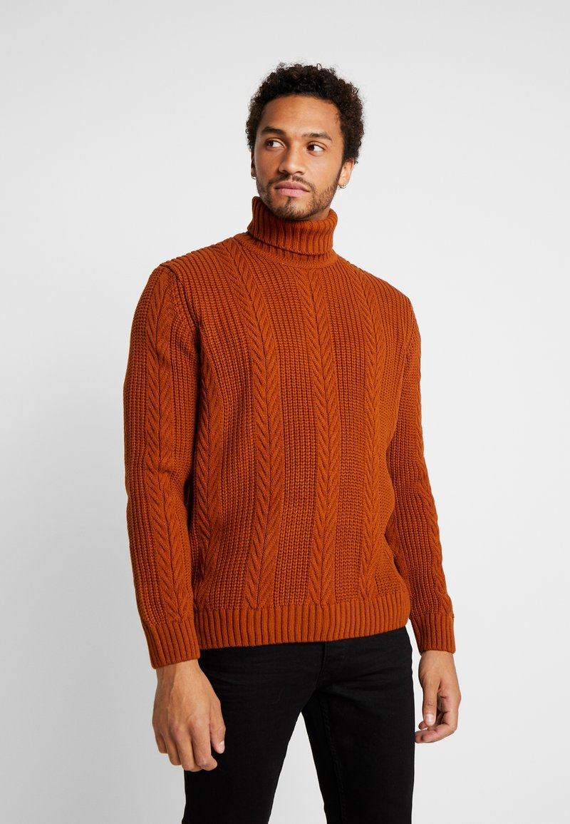 New Look - CABLE PATTERN ROLL NECK - Neule - burnt orange