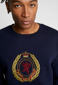 New Look - CREST CREW - Sweatshirt - navy - 4