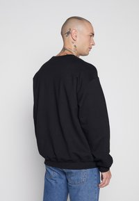New Look - BOYS HOOD  - Sweatshirt - black - 2