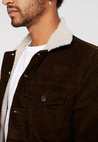 New Look - BORG WESTERN - Light jacket - chocolate - 5