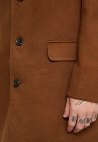 New Look - OVERCOAT  - Halflange jas - camel - 5