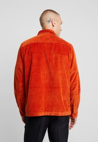 New Look - SHACKET  - Tunn jacka - rust - 2