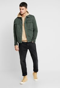 New Look - UTILITY SHACKET - Jeansjacka - dark khaki - 1