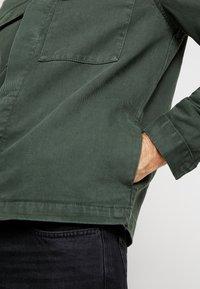 New Look - UTILITY SHACKET - Jeansjacka - dark khaki - 5