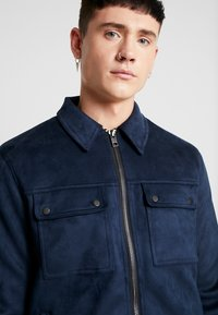 New Look - SHACKET - Giacca in similpelle - navy - 5