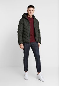 New Look - ENTRY PRICE POINT PUFFER DOWNTIME - Light jacket - khaki - 1