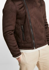 New Look - SHEARLING AVIATOR - Faux leather jacket - brown - 5