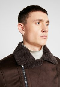 New Look - SHEARLING AVIATOR - Faux leather jacket - brown - 3