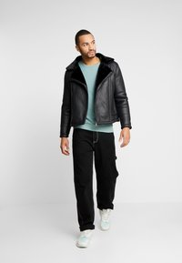 New Look - SHEARLING AVIATOR - Faux leather jacket - black - 1
