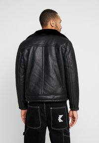 New Look - SHEARLING AVIATOR - Faux leather jacket - black - 2