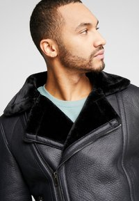New Look - SHEARLING AVIATOR - Faux leather jacket - black - 3